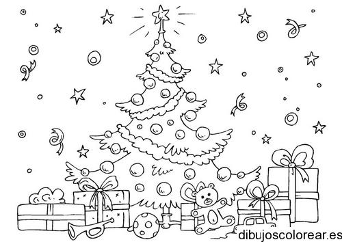 Dibujo de un rbol de navidad con regalos  Dibujos para Colorear