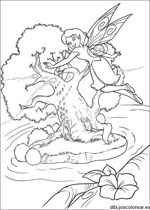 Dibujo de un hada en un árbol | Dibujos para Colorear